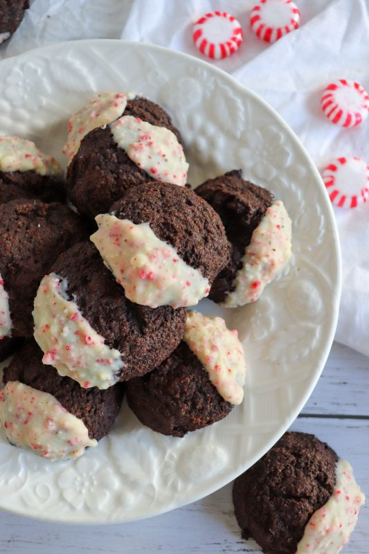 keto peppermint dipped chocolate cookies